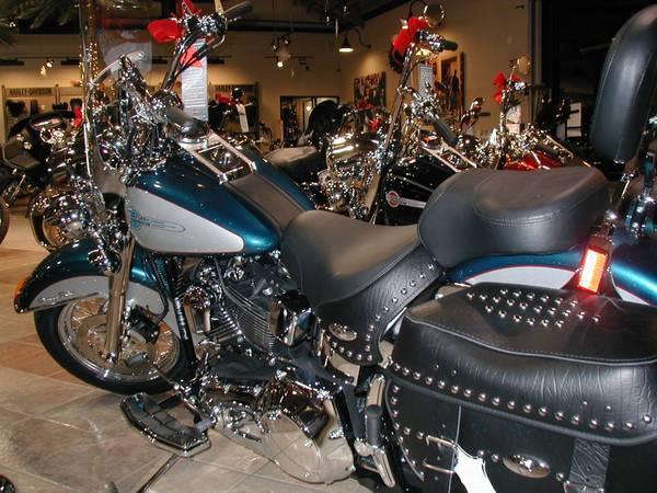 Photo 2004 Harley Heritage Softail Custom HD - $11,000 (Torrance)