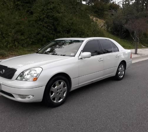 Photo 2004 lexus ls430,Pearl white runs great - $3,800 (Woodland Hills)