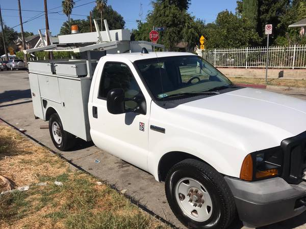 Photo 2007 FORD F350 SUPER DUTY UTILITY - $6,300 (Van nuys)
