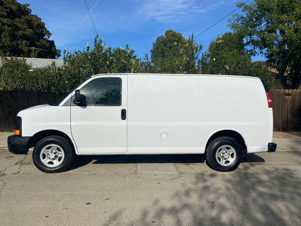 Photo 2009 CHEVY EXPRESS CARGO VAN - $8,500 (Van nuys)