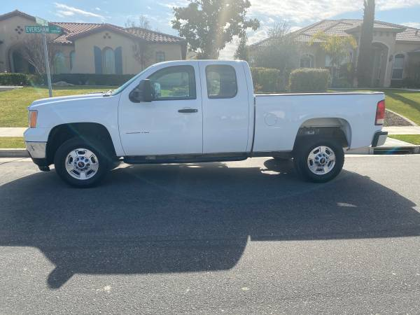 Photo 2013 GMC 2500 6.6 Duramax extended cab four-wheel-drive Low miles - $17500 (Bakersfield)