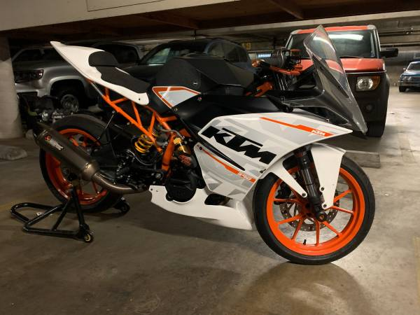 Photo 2015 KTM RC390 METICULOUSLY MAINTAINED TRACK MOTORCYCLE FOR SALE - $3,999 (Lawndale)