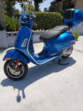 Photo 2015 Vespa GTS 300 - $5,500 (North Hollywood)
