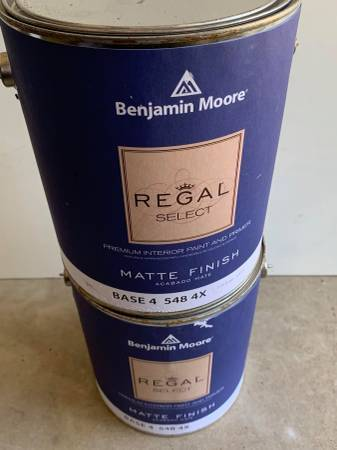 Photo 2 Benjamin Moore Blue Paint and Primer Quarts For Sale - $30 (626)