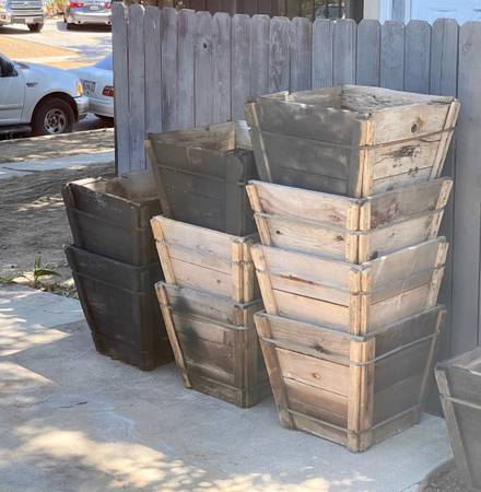 Photo 9x 24 Tree Boxes $35 each (used) - $35 (Reseda)