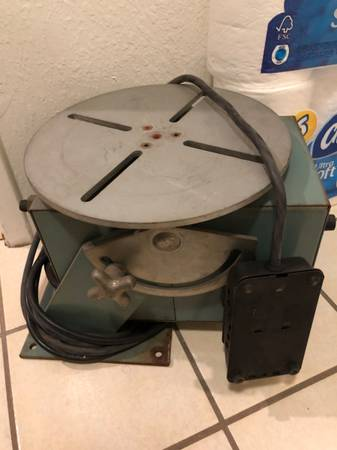Photo ATLAS WELDING ACCESSORIES, INC. MODEL 200 POSITIONER ROTARY TABLE - $1,500 (GLENDALE)