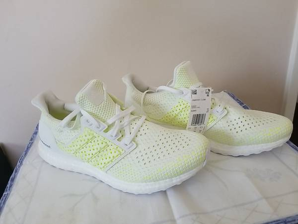 Photo Adidas Ultra Boost Clima White Solar Yellow Aq0481 New Men Size 11. re - $110