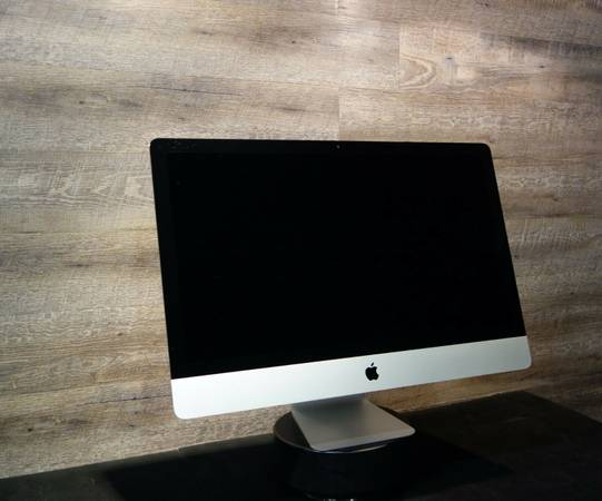 Photo Apple iMac 27-inch 3.5GHz Quad-core i7 32 GB RAM, 1TB Fusion Late 2013 - $1,050 (San Dimas)