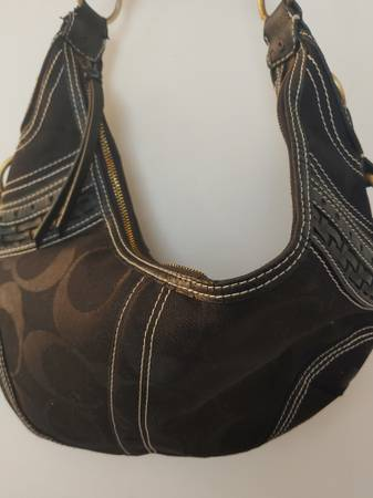 Photo Black Canvas HoBo Style Coach Bag - $20 (Woodland Hills  Warner Center)