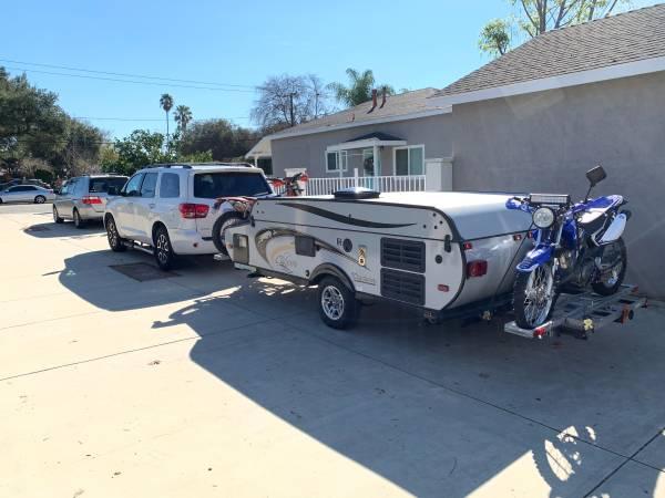 Photo Coachman Clipper Sport 105ST Tent Trailer with Motorcycle Racks like Jayco - $5200 (Altadena)