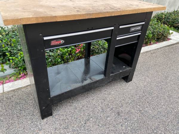 Photo Craftsman Work Bench tool bench with drawer - $375 (Burbank)
