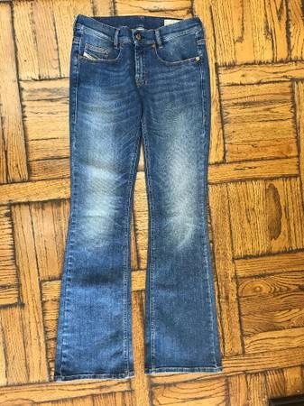 Photo Diesel Slim boot cut low waist stretch jeans size 27 - $10 (Calabasas)
