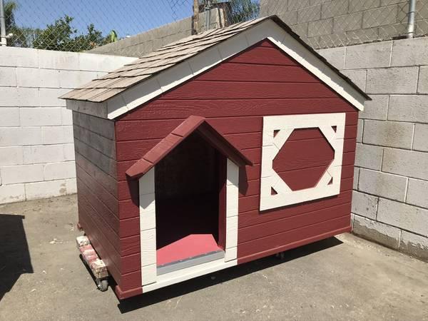 Photo Dog house cabin style - $825 (San Fernando, LA, Ventura)