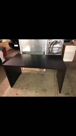 Photo FREE Ikea MALM Desk - black brown (Glendale, CA)