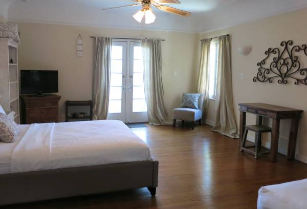 Photo Furnished Guest House with Outdoor Patio (Beverly Hills Adj  Grove  Miracle Mile)
