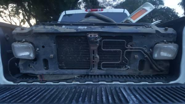 Photo GMC Syclone Typhoon Sonoma GT core radiator support Chevy S10 Blazer (Pico Rivera)
