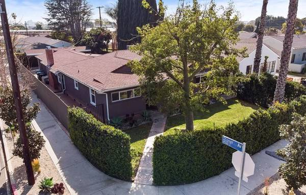 Photo Great Roommates Wanted in Beautiful  Spacious 4BR on the West Side (Marina Del Rey)