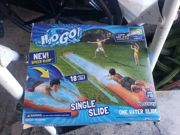 Photo H20 GO 18 ft long single water slide open box new never used - $10 (Long Beach)