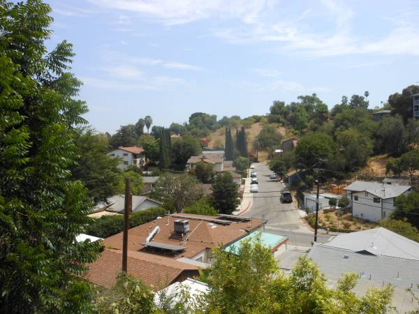 Photo HIGH END  X LARGE 1 Bdrm 1 BA Utilities INCL  PRIVATE Entrance (MT W (Mt WASHINGTON, by Glendale  So Pasadena)