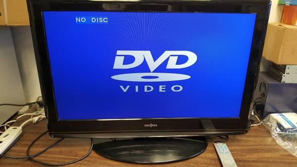 Photo Insignia Flat Panel Television 32 Inch - $45 (Los Angeles)