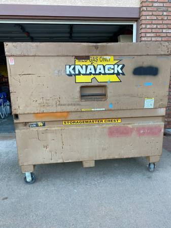 Photo Knaack Storage-master Tool box Model 89 - $525 (LOMITA)