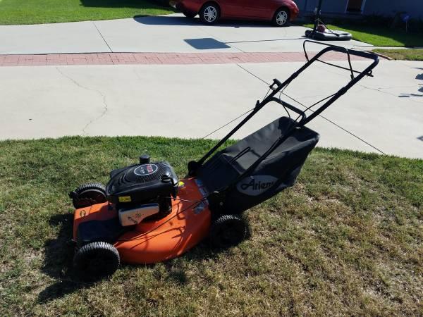 Photo Lawn Mower - Ariens 6.75 HP - $125 (Torrance, CA)