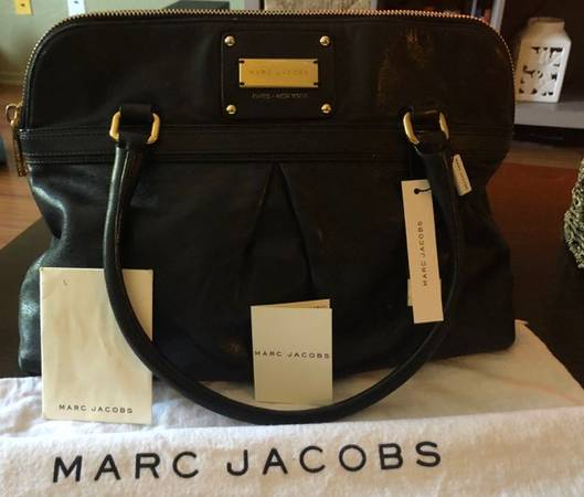 Photo Marc Jacobs Black Palais Royal Jen Bag Satchel - $500 (Burbank)