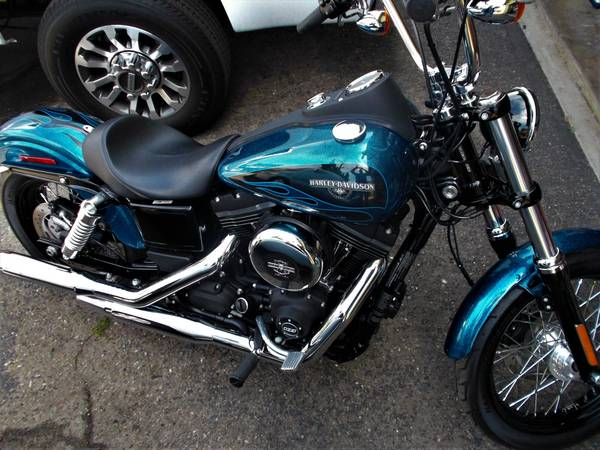 Photo NEW 2016 Harley Dyna Street Bob FXDB - $16,750 (Santa Maria)