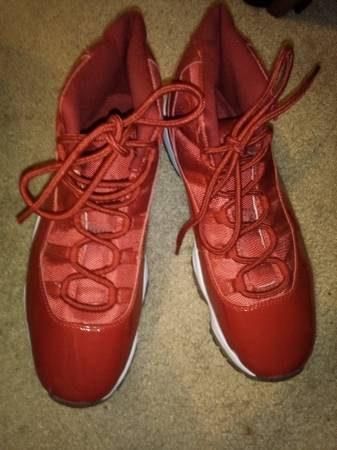 Photo Nike Air Jordan XI 11 Retro Win Like 96 Gym Red White Size 12 - $100 (Palmdale)