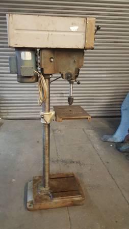Photo Rockwell  Delta Variable Speed Drill Press Floor Model (Commerce)