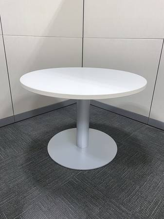Photo Round Table with white top  platinum base by Steelcase P6970 - $400 (Sun Valley)