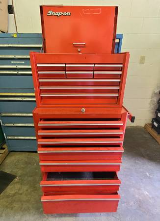 Photo Snap-On Top Tool Box and Bottom Rolling Chest - $499 (Northridge)