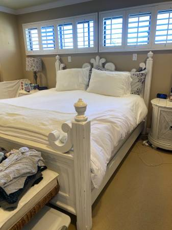 Photo Solid Wood Shabby Chic Style Cal King Bed Frame-SF - $500 (Manhattan Beach)