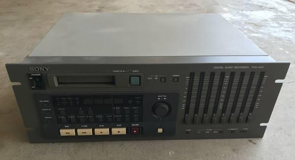 Photo Sony PCM-800 pro digital multitrack recorder - $100 (West Los Angeles)