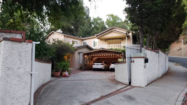 Photo Suite guesthouse in a multi-million dollar home in Encino Hills (ENCINO)
