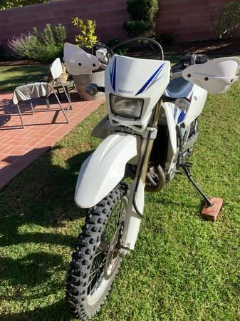 Photo Suzuki DRZ 400sm - $3,000 (Los Angeles)