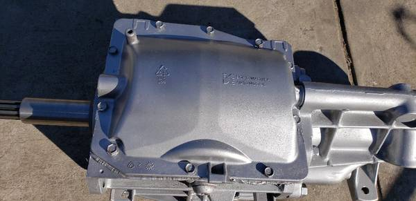 Photo T-5 World Class Ford transmission 5 Speed new input, seals, input bea - $750 (Downey)