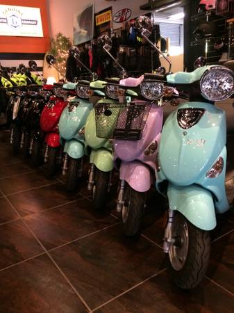 Photo TWO YEAR WARRANTY Quality Gas Scooters (Huntington Beach)