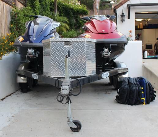 Photo Two 2011 Yamaha Wave Runners, includes Custom Trailer and Accessories - $18,500 (Santa Clarita)