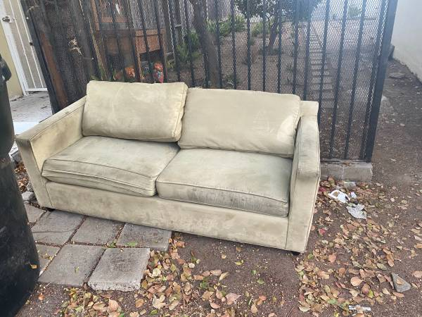 Photo Two seater couch from crate and barrel (Santa Monica)