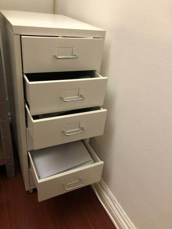 Photo White Steel Drawer Unit - $20 (WESTWOOD)