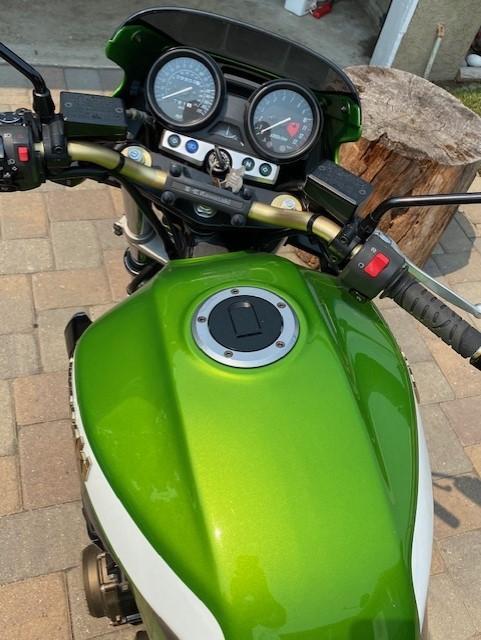Photo 2005 Kawasaki ZRX 1200R $6300159.39159.39