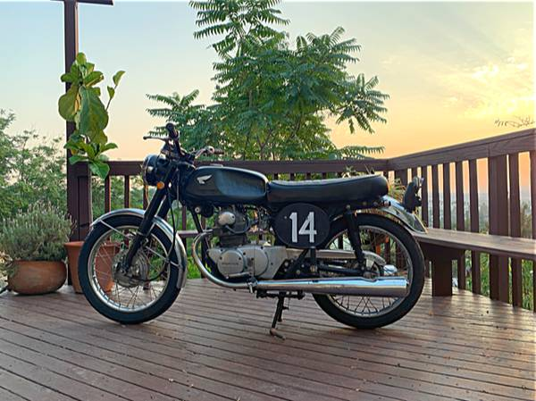Photo Vintage Black 1970 Honda CB 175  - $2,400 (Glassell Park, Ca)