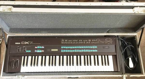 Photo WANTED old Not Working Synthesizers  - $100 (Van Nuys)