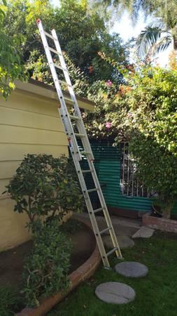 Photo Werner 16 foot extension ladder  - $75 (sherman oaks)