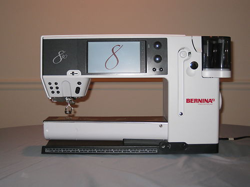 Photo Excellent Bernina 830 Sewing and Embroidery Machine