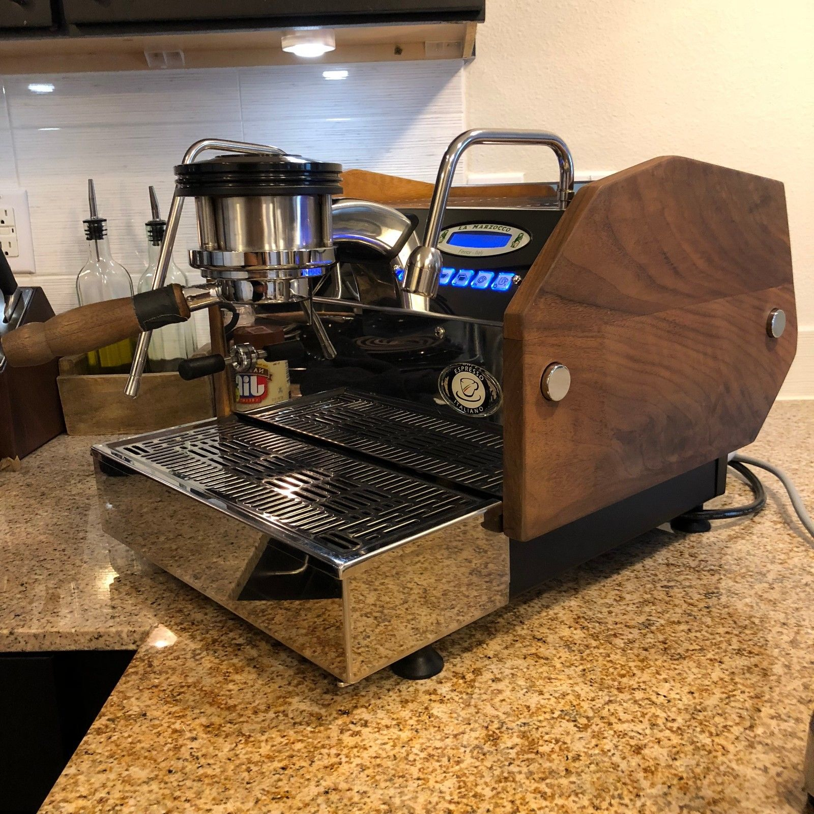 Photo La Marzocco GS3 AV with custom panels