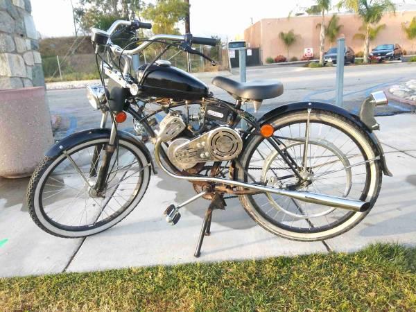 Photo whizzer moped motorbike - $1100
