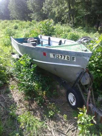 14 foot aluminum V Hull - $450 (Louisville Kentucky) | Boats For