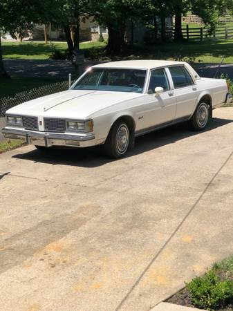 Photo 1984 Olds Delta 88 Royale Brougham - $3800 (Fairdale)